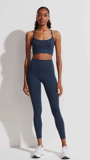 slate blue workout pants and bra to motivate you for a workout
